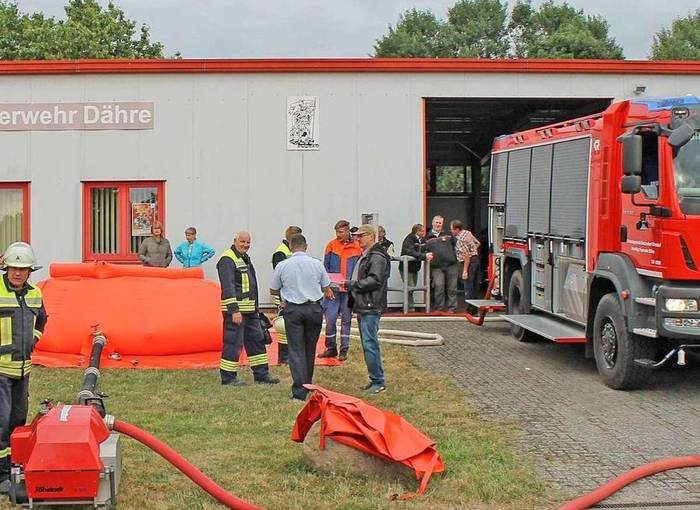 Neuer 10000-Liter-Faltbehälter für die Apenburger Truppe